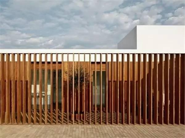 【家装】如果我家有个院子 围墙就这么设计! 家装,如果,我家,家有,院子 第1张图片