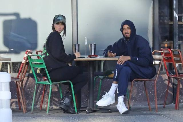 超模肯达尔詹娜和友人现身洛杉矶街头 肯达尔,超模,詹娜,友人,现身 第1张图片