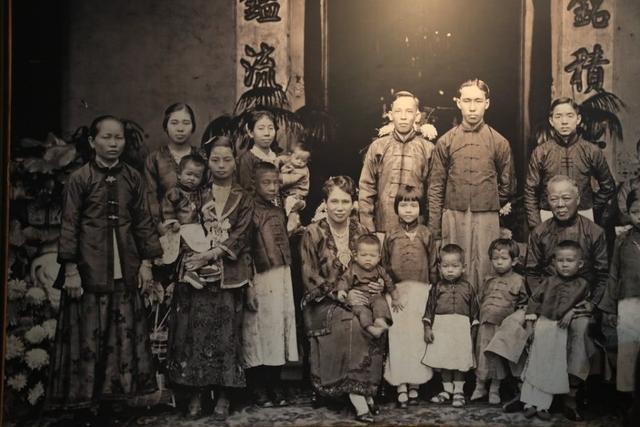 昔日印尼首富居然是广东人,娶欧洲美女为妻,后代已无华人长相 ... 闯关东,走西口,棉兰,昔日,印尼 第4张图片
