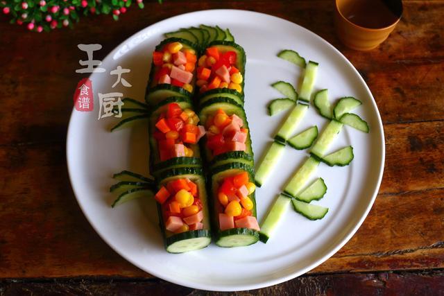 彩色午餐黄瓜拼盘的家常做法,马上过年了,学会年夜饭露一手 ... 彩色,午餐,黄瓜,拼盘,家常 第1张图片