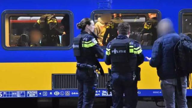 荷兰新闻短平快(15岁送餐少年交通意外死亡等)—1月11日 发现,火车,少年,荷兰,新闻 第5张图片