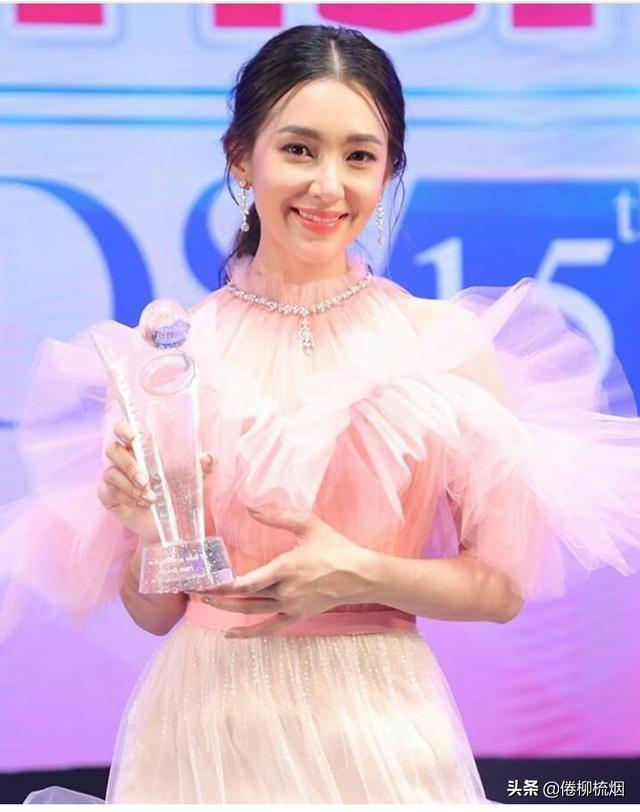 泰国KCL大奖揭晓,Weir、Bella再次同台领奖,Singto依然最受欢迎 ... 泰国,大奖,揭晓,再次,同台 第5张图片