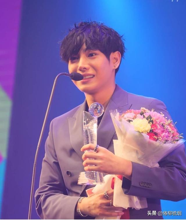 泰国KCL大奖揭晓,Weir、Bella再次同台领奖,Singto依然最受欢迎 ... 泰国,大奖,揭晓,再次,同台 第7张图片