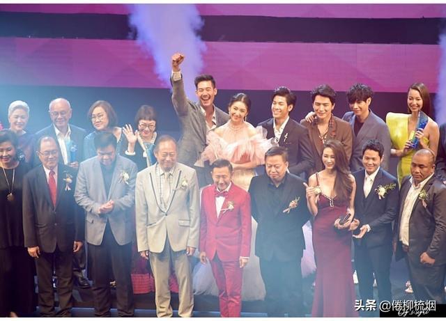 泰国KCL大奖揭晓,Weir、Bella再次同台领奖,Singto依然最受欢迎 ... 泰国,大奖,揭晓,再次,同台 第10张图片