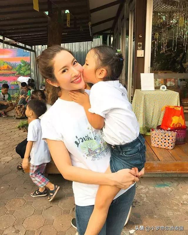 泰国女神Aff和Songkran,对女儿的问题回答完全相反 泰国,女神,问题回答,完全,相反 第3张图片