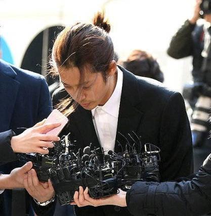 """郑俊英""""红""""遍韩国,到达人生""""巅峰"""",网友:监狱一路走好! ... 郑俊英,韩国,到达,达人,人生 第2张图片"""