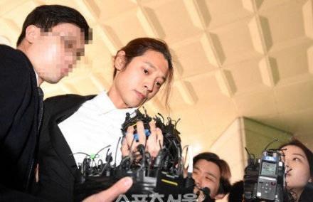 """郑俊英""""红""""遍韩国,到达人生""""巅峰"""",网友:监狱一路走好! ... 郑俊英,韩国,到达,达人,人生 第4张图片"""