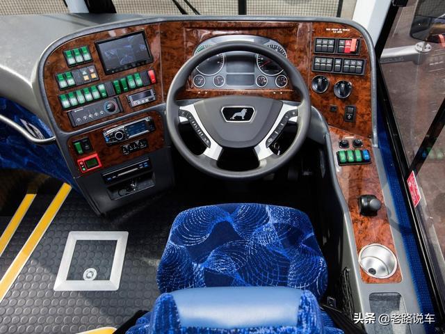 500马力2500N.m!澳大利亚最强劲的客车就是它 商用车,客车,平衡,强劲,就是 第9张图片
