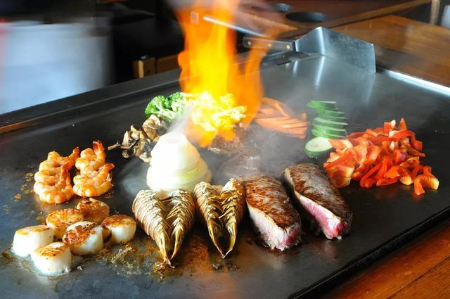 加拿大百家必吃餐厅:温哥华11家上榜!今年照着这榜单去吃吧 ... 宝马,用户数量,百家,餐厅,温哥华 第7张图片