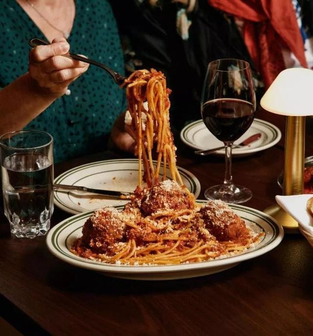 加拿大百家必吃餐厅:温哥华11家上榜!今年照着这榜单去吃吧 ... 宝马,用户数量,百家,餐厅,温哥华 第11张图片