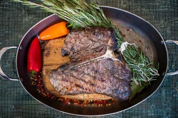 加拿大百家必吃餐厅:温哥华11家上榜!今年照着这榜单去吃吧 ... 宝马,用户数量,百家,餐厅,温哥华 第12张图片