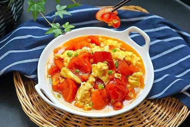 从小吃的西红柿炒鸡蛋,不想增肥,除了油盐还要注意1种调味品 ... 西红柿炒鸡蛋,小吃,增肥,除了,油盐 第3张图片