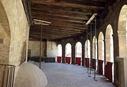 """""""地中海明珠""""瓦伦西亚大教堂白蚁成灾正面墙体可能倾覆 巴塞罗那,瓦伦西亚,地中海,明珠,大教堂 第1张图片"""