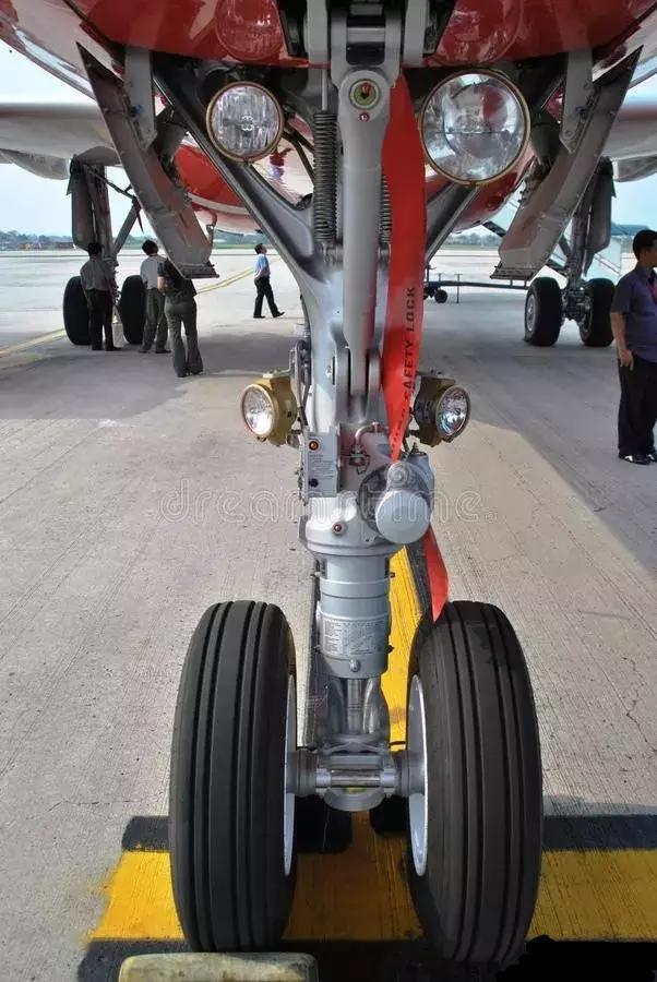 天津机场上空客机故障,为何不立刻着陆反要盘旋3小时才敢降落 ... 小时,平安,所幸,天津,机场 第5张图片
