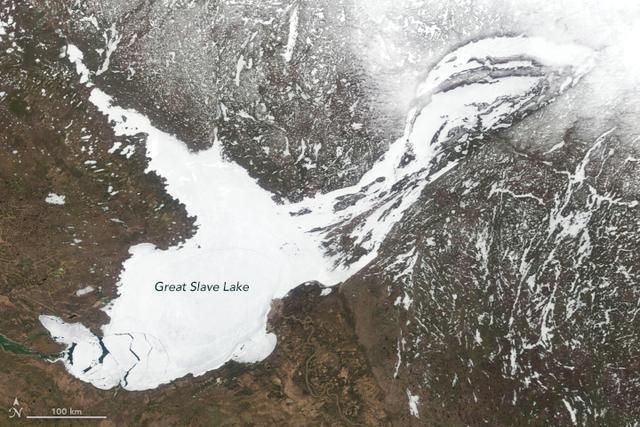 深度相当世界第二高楼上海中心大厦,北美最深湖泊突变,水位下降 ... 发现,湖泊,自然湖泊,深度,相当 第1张图片