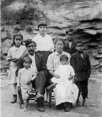 帝国遗民:西班牙收复失地运动后的摩尔人命运 西班牙人,苏丹,格拉纳达,帝国,遗民 第13张图片