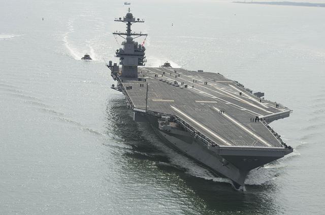 枪口调转瞄准自己人,川普究竟多可怕?10万吨核航母难逃脱噩运 ...  第2张图片