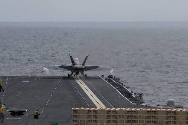 枪口调转瞄准自己人,川普究竟多可怕?10万吨核航母难逃脱噩运 ...  第3张图片