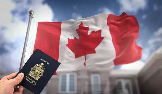 7月8日起生效!加拿大多伦多的投资移民门槛降了一半 关键,安省,安省政,日起,生效 第1张图片