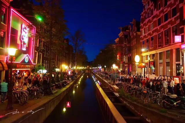 东西方文化的差异:泰国红灯区藏在夜市里,荷兰红灯区开在马路边 ... 马路,帕蓬夜市,刘小顺,东西方文化,差异 第4张图片