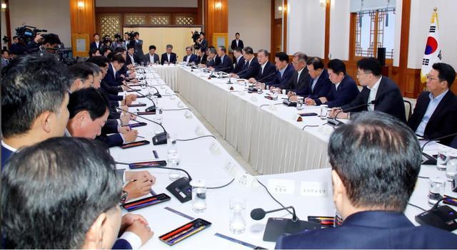 文在寅召集排名前30家韩企高管,宣布韩国将反击日本制裁 文在寅,召集,排名,名前,高管 第2张图片