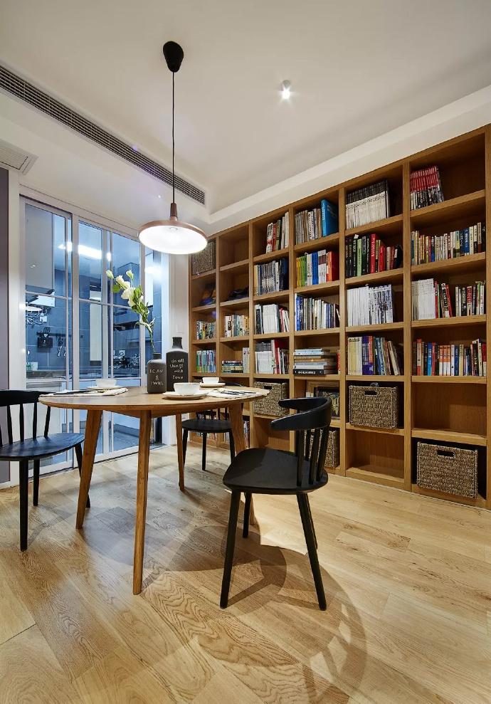 89㎡简约现代风格家居装修,自然木色总是能让空间变得休闲舒适 ... 舒适,家居装修,现代风格,自然,总是 第6张图片