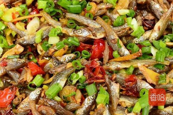 遇到这菜,我从不还价,每次必买,用来炸一炸,香味飘到隔壁 ... 小鱼,食谱,香酥可口,遇到,从不 第1张图片
