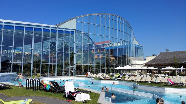 这个德国著名的水上乐园,还能男女一起赤裸泡澡 小时,温泉桑拿洗浴,工作日,这个,德国 第4张图片