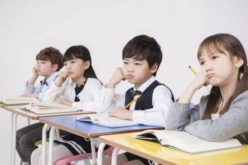 """""""人来疯""""的孩子是外向吗?育儿专家:家长这三种管教方式,要改了 ... 孩子,外向,育儿,育儿专家,专家 第3张图片"""