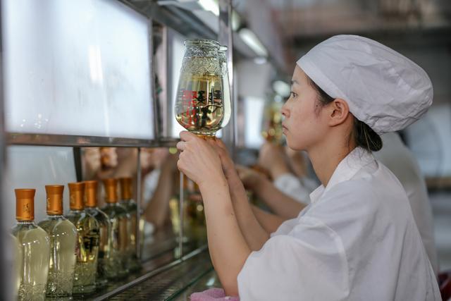 毛铺酒喝出好口碑的秘密都在这里了,就差你的广告语 异军突起,掰腕子,喝出,口碑 第1张图片