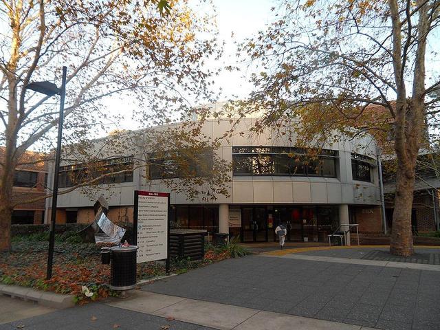 澳大利亚麦考瑞大学食宿费用多少?  第1张图片