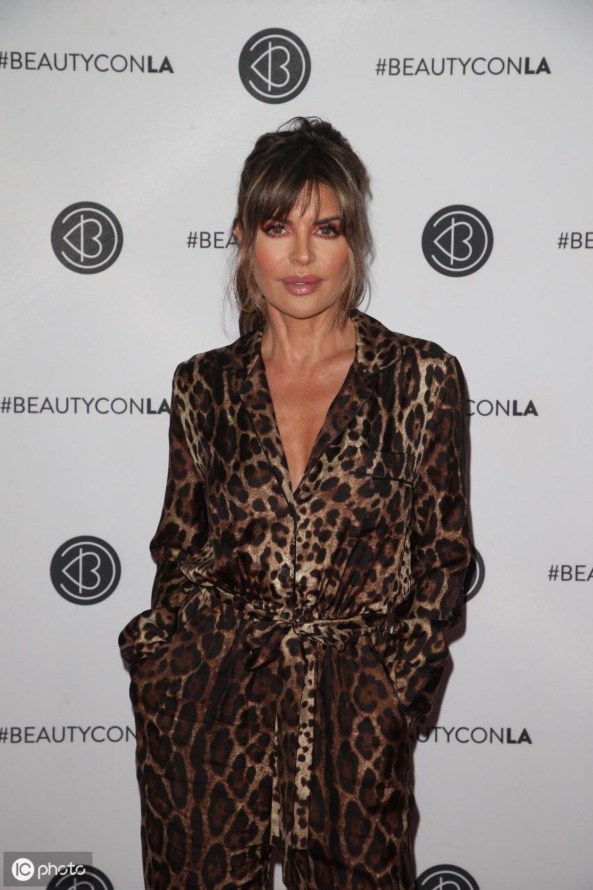 2019年8月10日泰勒抵达洛杉矶市洛杉矶会议中心的Beautycon节 泰勒,美利坚合众国,洛杉矶市,抵达,洛杉矶 第2张图片