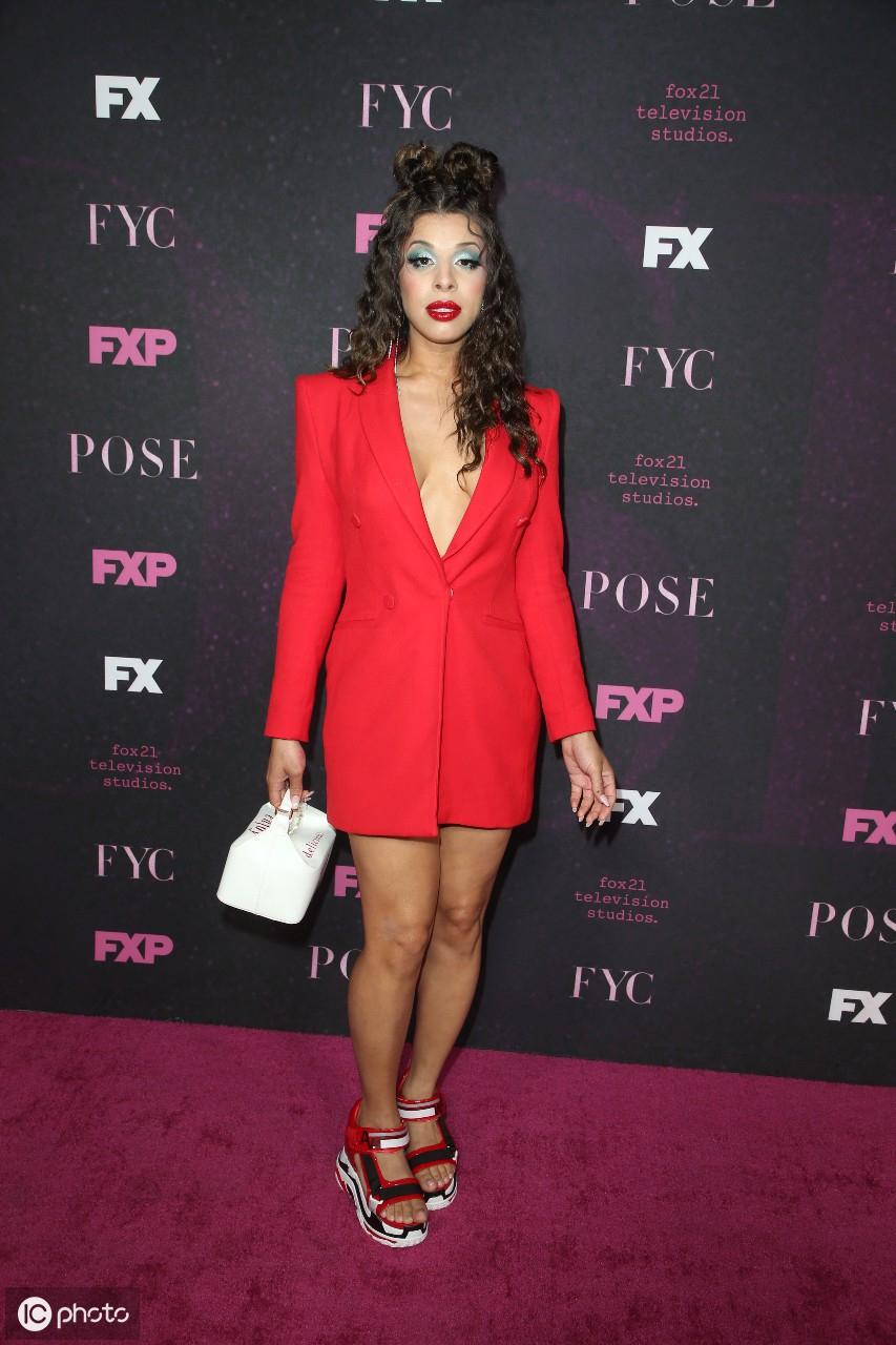 2019年8月10日泰勒抵达洛杉矶市洛杉矶会议中心的Beautycon节 泰勒,美利坚合众国,洛杉矶市,抵达,洛杉矶 第16张图片