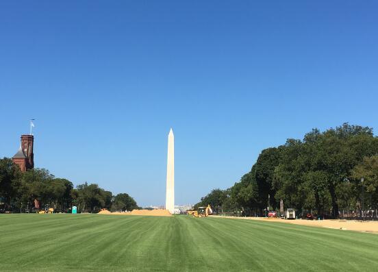 华盛顿十大著名旅游景点,白宫作为美国历代总统办公和居住的地方,那是一定要去的 ... 华盛顿纪念碑,有气势,非常有气势,华盛顿,十大 第1张图片