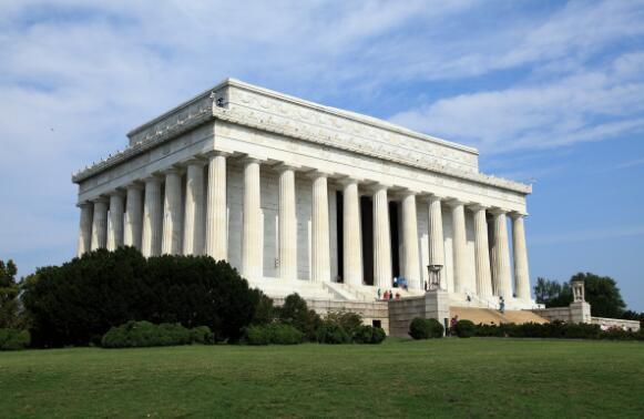 华盛顿十大著名旅游景点,白宫作为美国历代总统办公和居住的地方,那是一定要去的 ... 华盛顿纪念碑,有气势,非常有气势,华盛顿,十大 第3张图片