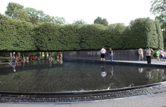 华盛顿十大著名旅游景点,白宫作为美国历代总统办公和居住的地方,那是一定要去的 ... 华盛顿纪念碑,有气势,非常有气势,华盛顿,十大 第8张图片