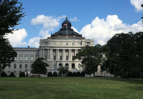 华盛顿十大著名旅游景点,白宫作为美国历代总统办公和居住的地方,那是一定要去的 ... 华盛顿纪念碑,有气势,非常有气势,华盛顿,十大 第10张图片