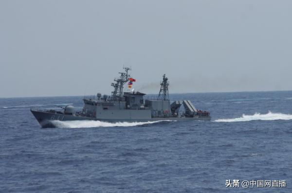 台媒:今年以来 台军两艘军舰长期与解放军两艘护卫舰海峡中线对峙 ... 台湾海峡中线,航台湾海峡,严阵以待,台媒,今年 第3张图片