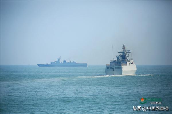 台媒:今年以来 台军两艘军舰长期与解放军两艘护卫舰海峡中线对峙 ... 台湾海峡中线,航台湾海峡,严阵以待,台媒,今年 第1张图片