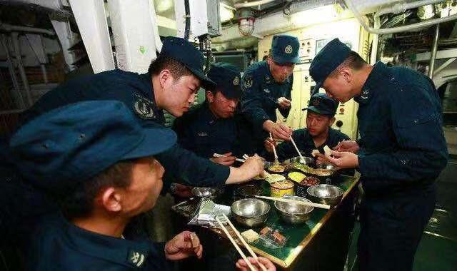 辽宁舰一天消耗10吨以上食物 餐厅包含各大菜系!这还不是最好的 ... 辽宁,辽宁舰,一天,消耗,以上 第4张图片