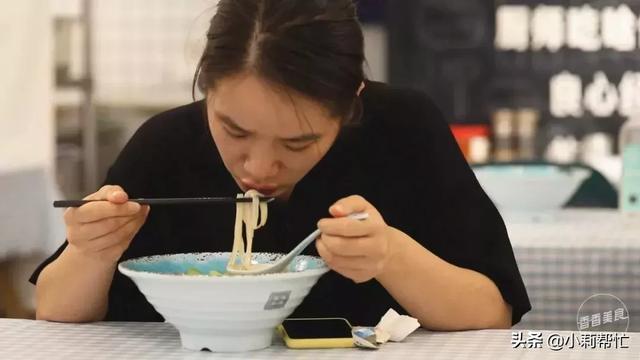 吃出声音才有灵魂,这碗米粉的招式有点xuan 声音,灵魂,米粉,招式,有点 第3张图片