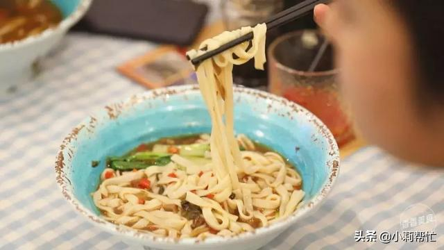 吃出声音才有灵魂,这碗米粉的招式有点xuan 声音,灵魂,米粉,招式,有点 第5张图片