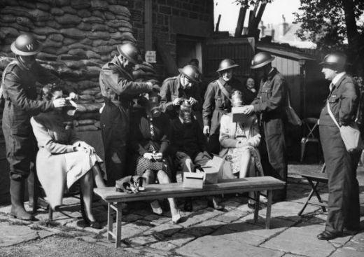 一战时最致命的杀人武器,吓得英国人每天必须戴上这个  第1张图片