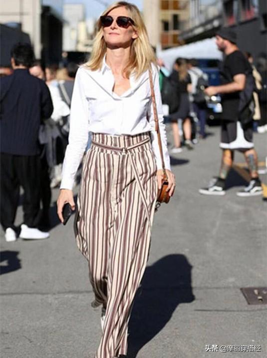 奶奶裤与衬衫结合,早秋的穿搭不用愁了 白色的,白衬衫,都可以,休闲鞋,整体的 第3张图片