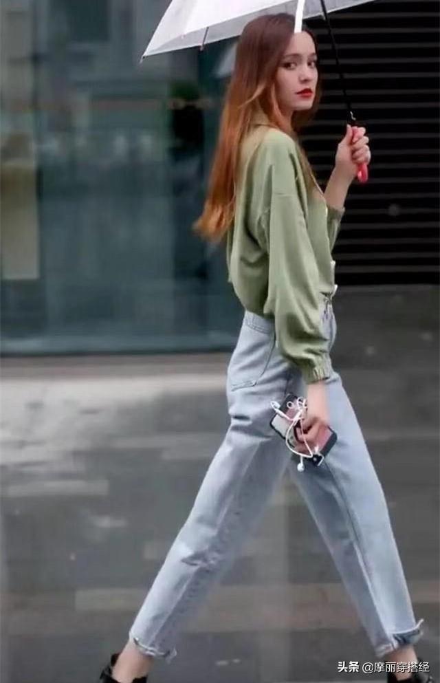 奶奶裤与衬衫结合,早秋的穿搭不用愁了 白色的,白衬衫,都可以,休闲鞋,整体的 第7张图片