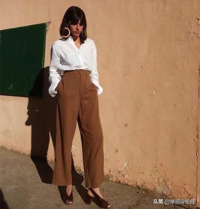 奶奶裤与衬衫结合,早秋的穿搭不用愁了 白色的,白衬衫,都可以,休闲鞋,整体的 第8张图片