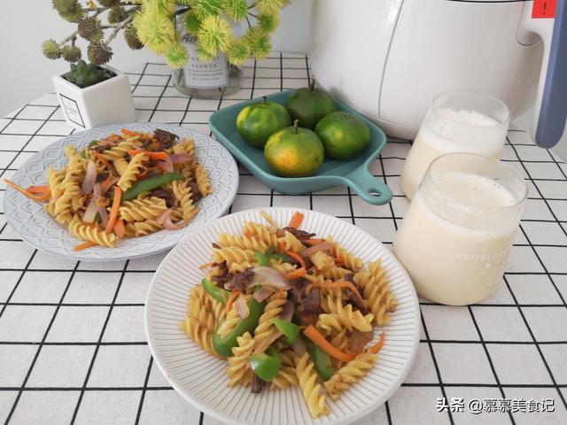 我家早餐天天不重样,烫一烫炒一炒,快手美味营养 我家,早餐,天天,快手,美味 第1张图片
