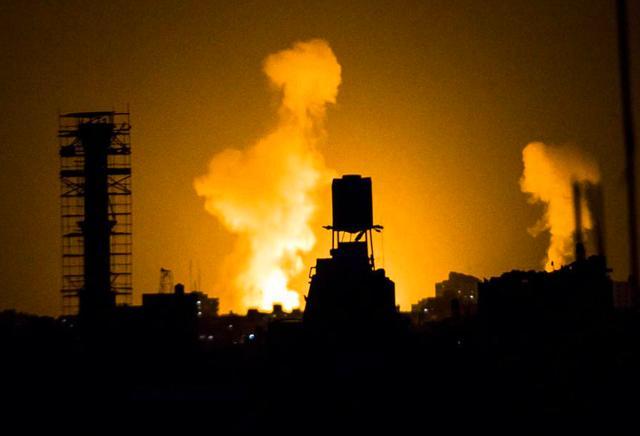911事件18周年,美国大使馆外再次遭到火力打击,外墙都被炸穿了 ... 事件,周年,美国,美国大使馆,大使 第3张图片