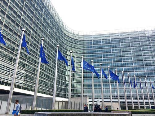 欧盟紧急发送12吨防护物资驰援中国抗击疫情 冠状病毒感染,欧盟委员会,中国青年报,当地时间,布鲁塞尔 第1张图片