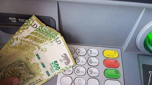 阿根廷政府为低收入阶层提供1万比索特别津贴 加强市场物价管控 ... 阿根廷华人,阿根廷政府,家庭收入,社会保障,劳工部长 第1张图片